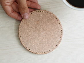 【プレスリリース】町工場のSDGs、副産物である床革を使用したレザーコースターで大切なインテリアを守ります。