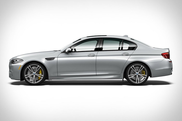 BMW M5 PURE METAL SILVER EDITION