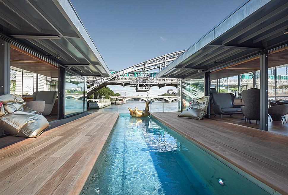 off-floating-hotel-paris