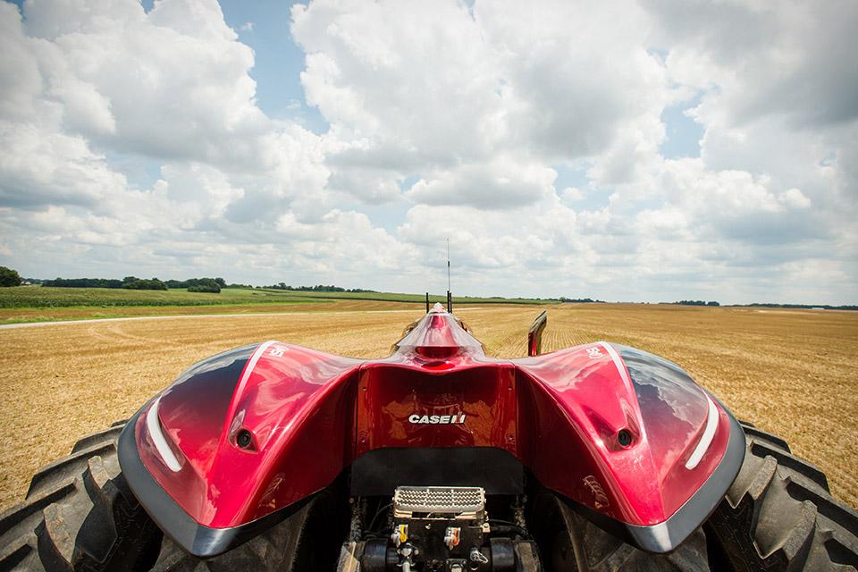 case-magnum-auto-tractor-2