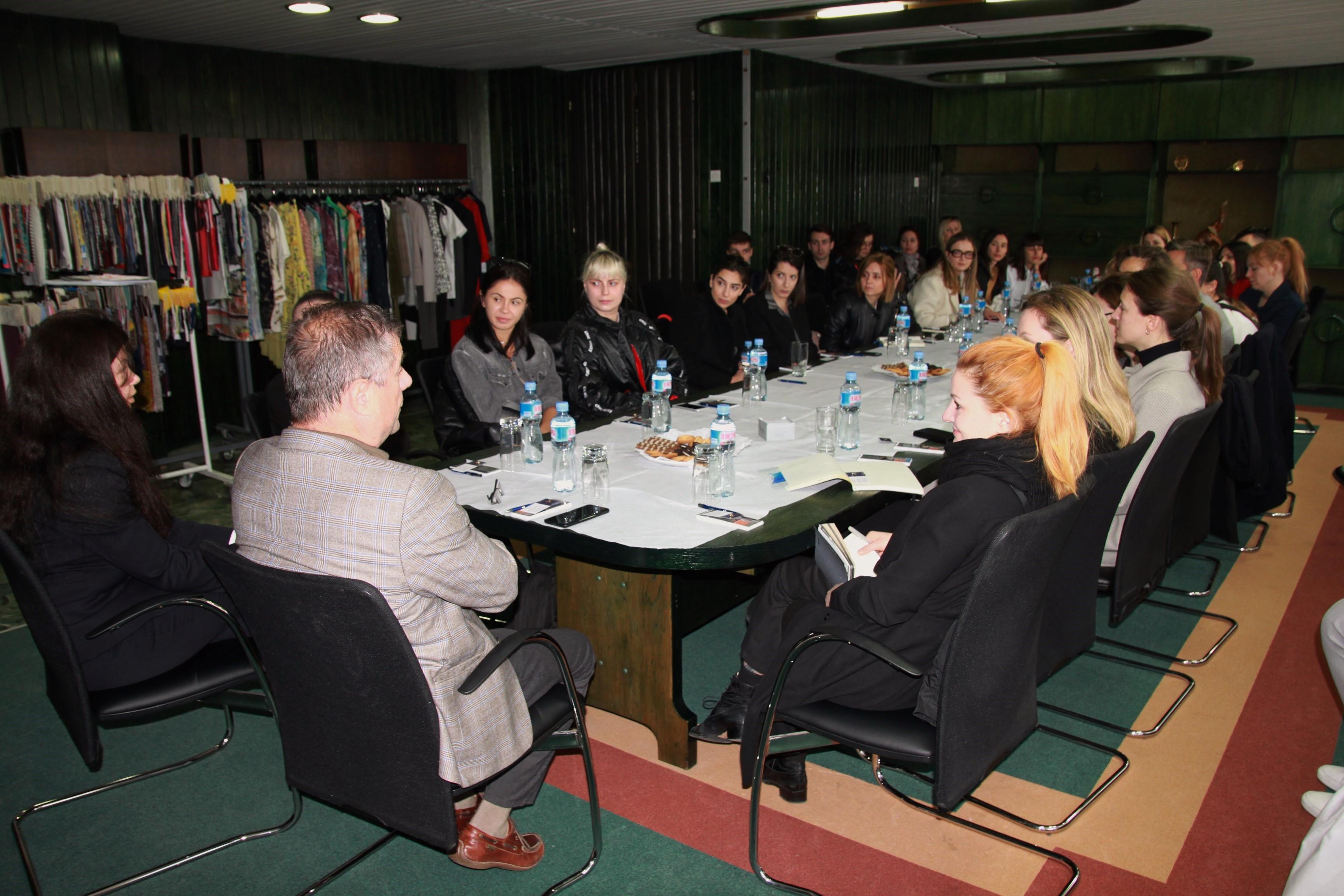 Visit of designers-United Fashion
