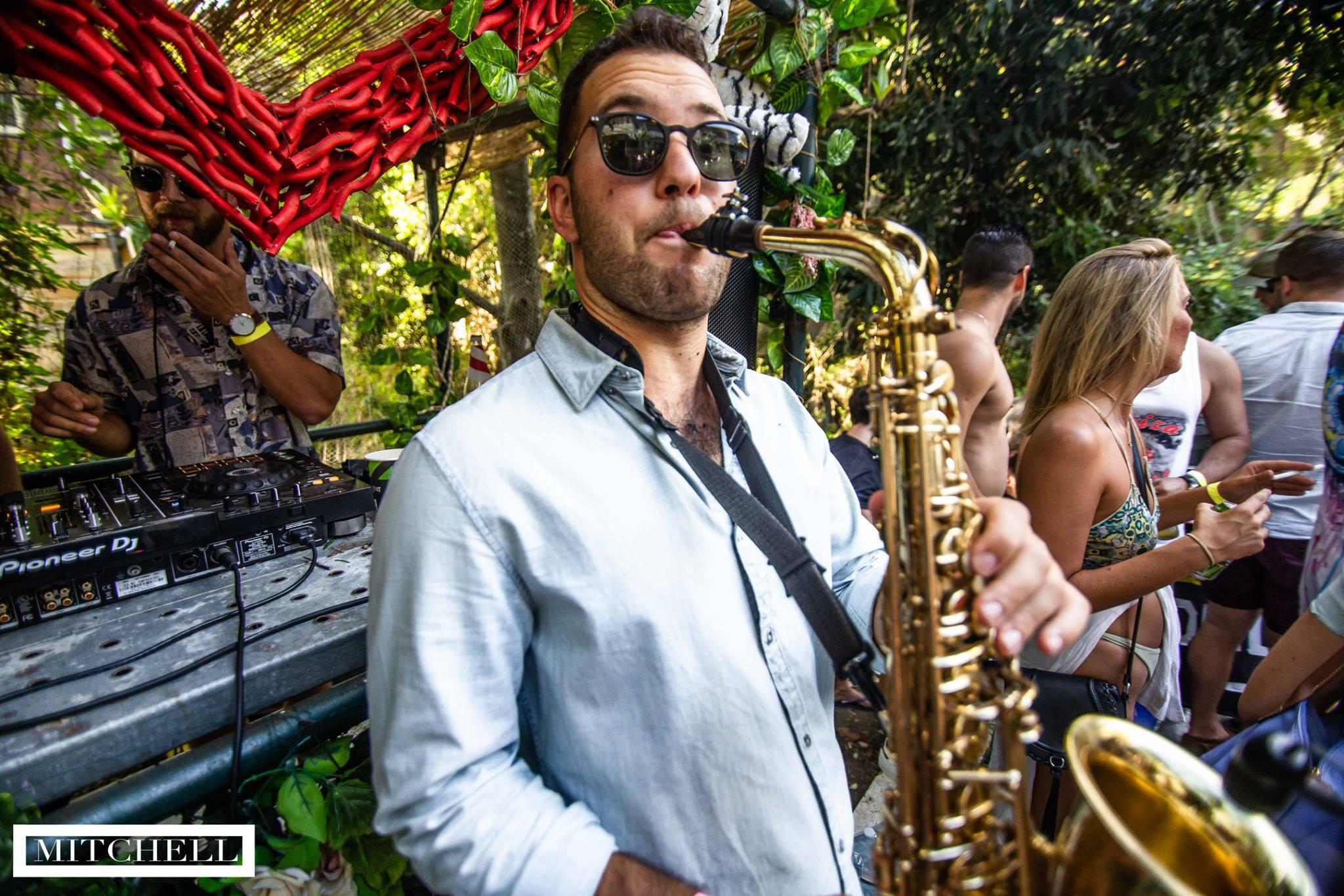 Sax player Sydney - Summerlove