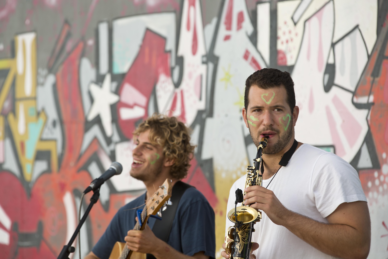 Acoustic duo Bondi