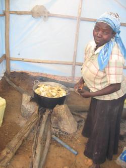 Vutahira_préparation_du_repas_pour_les_ouvriers