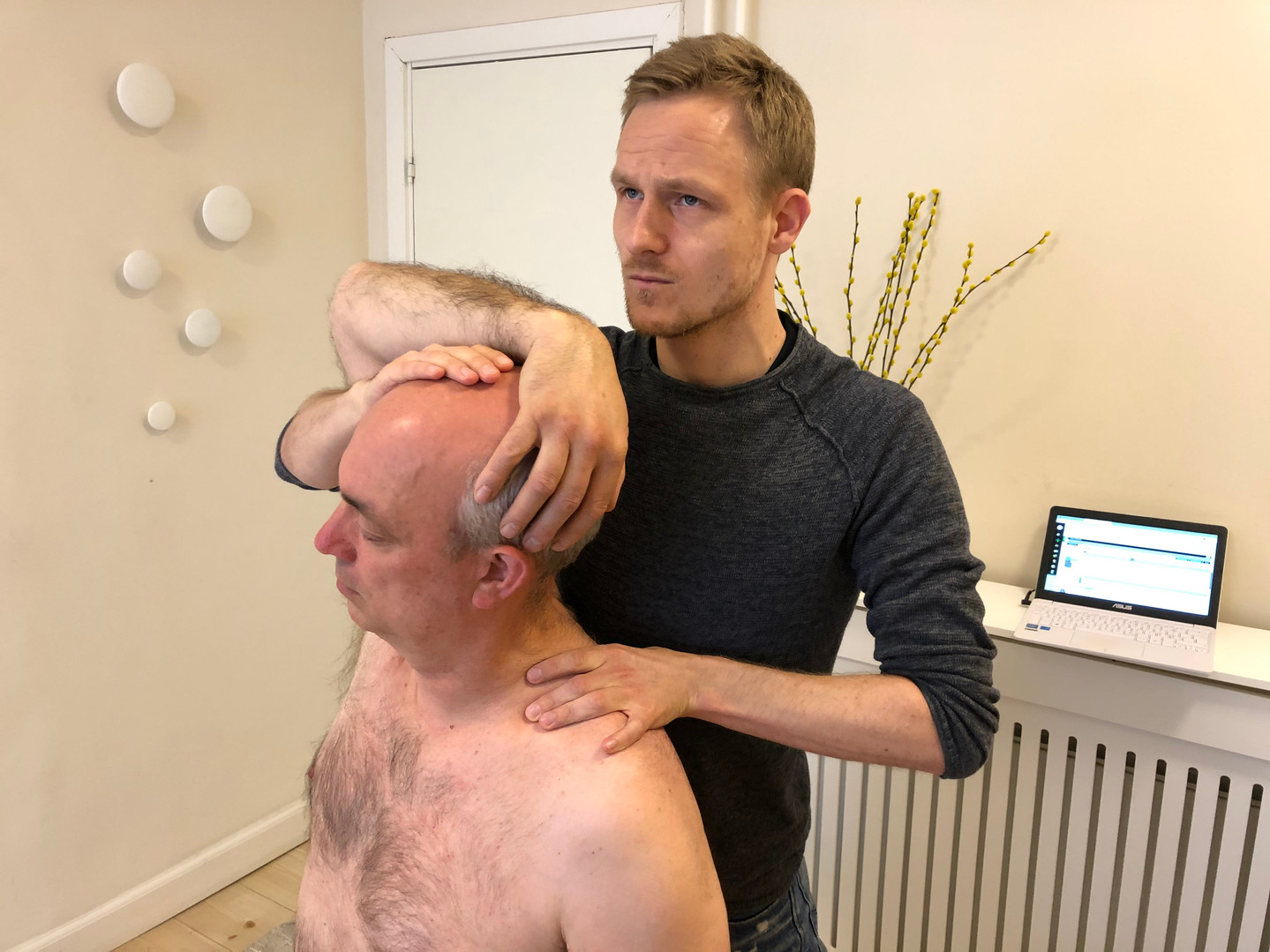 cervical thoracic adjustment by René