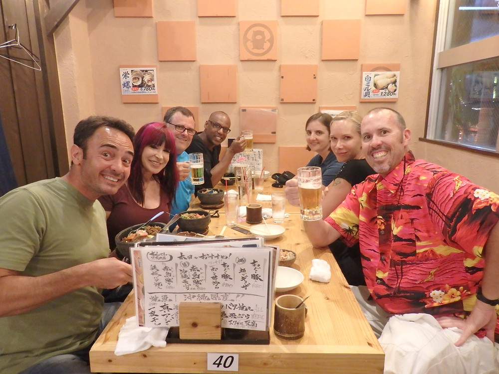 Enjoying a meal together at a traditional izakaya!