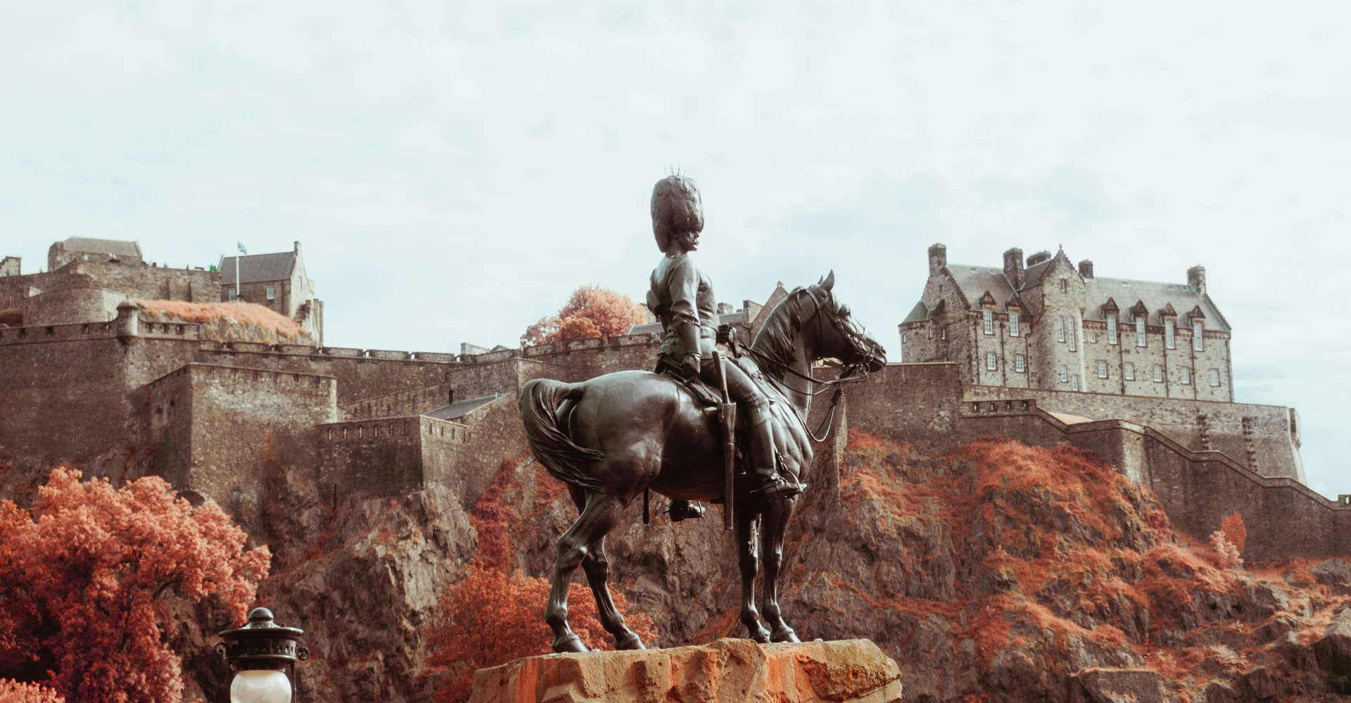Edinburgh Castle & Statue