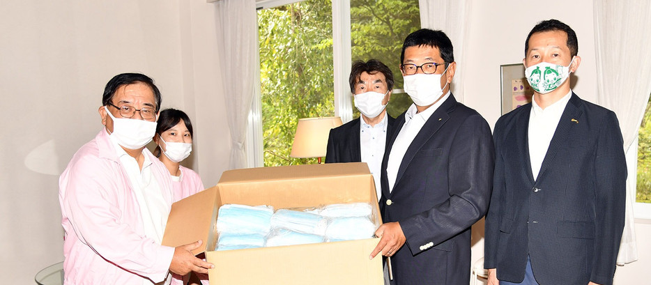掛川ロータリークラブからマスク寄付