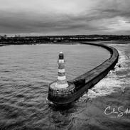 Roker pier and lighthouse.jpg