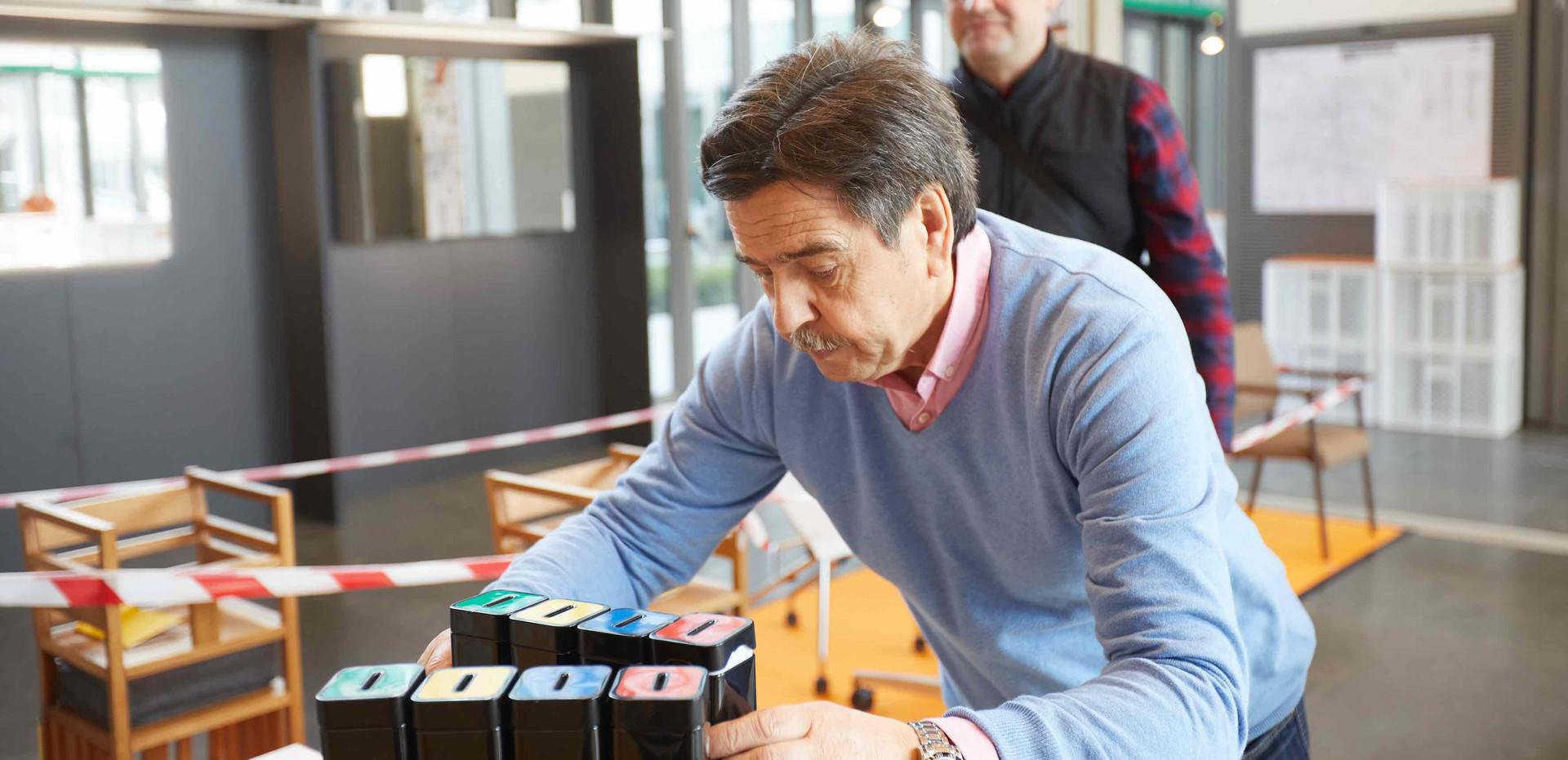 Wolfgang Holitzner, Info Team