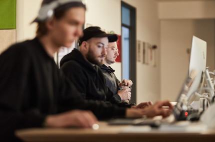 Blick hinter die Kulissen.   IUD - Team: Phillip Martens, Bennet Blume, Constantin Werner (v. links)