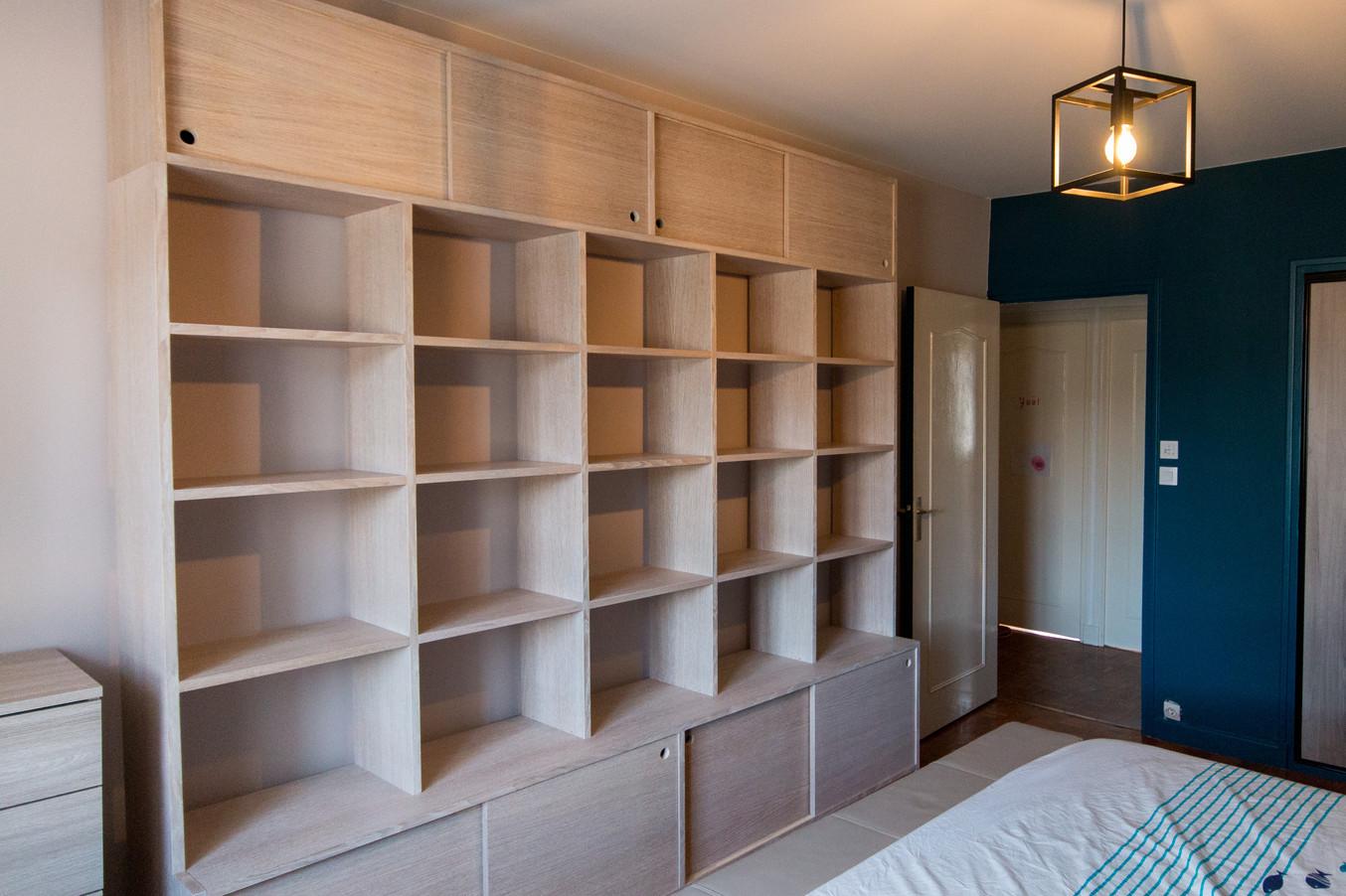 Bibliothèque pour une chambre