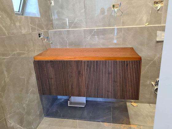 ארון אמבטיה מיתר
