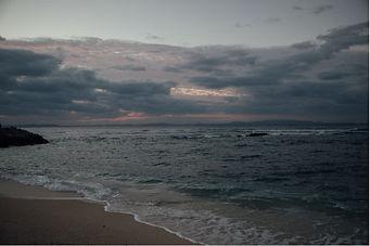 伊是名島の海の夕暮れ