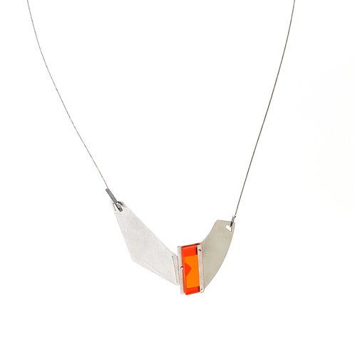 Sautoir  STEELING  acier et plexiglass orange