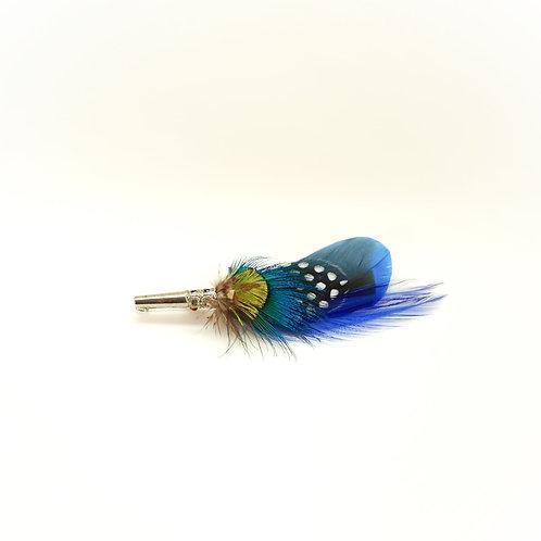 Broche PENCIL  plumes naturelles bleues