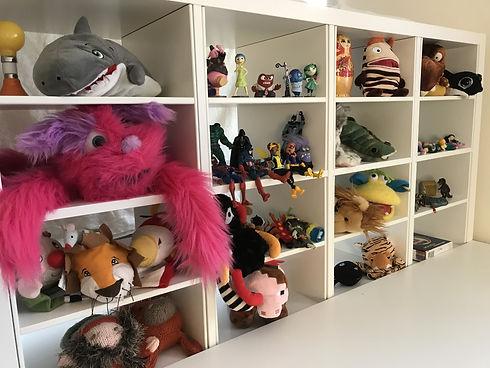 shelf puppets.jpg
