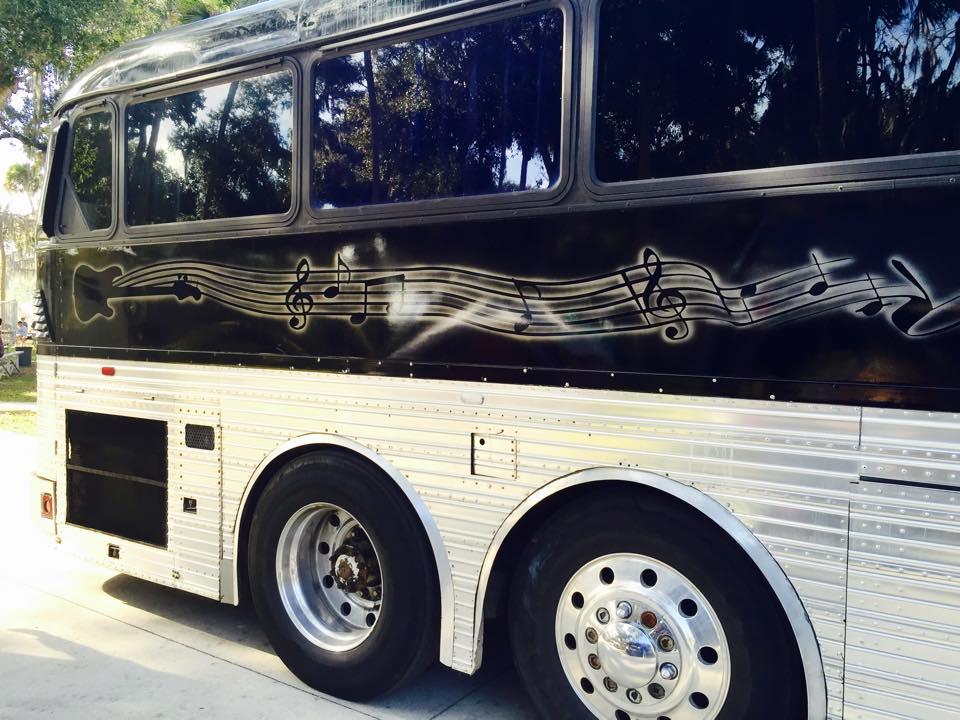 Special Formula Band Bus