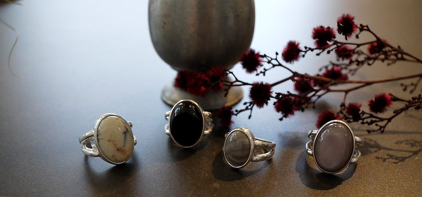 Oval-Cabochon-Ring-Fashion-Jewelry-Monst