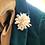 Monsteraleaf ビワ パール フラワー コサージュ ブローチ ホワイト 入学式 天然石ジュエリー