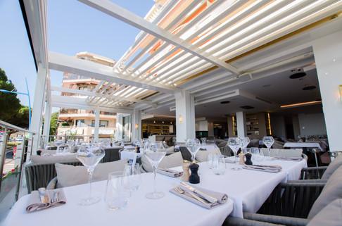SKY LOUNGE restaurant 3c.jpg