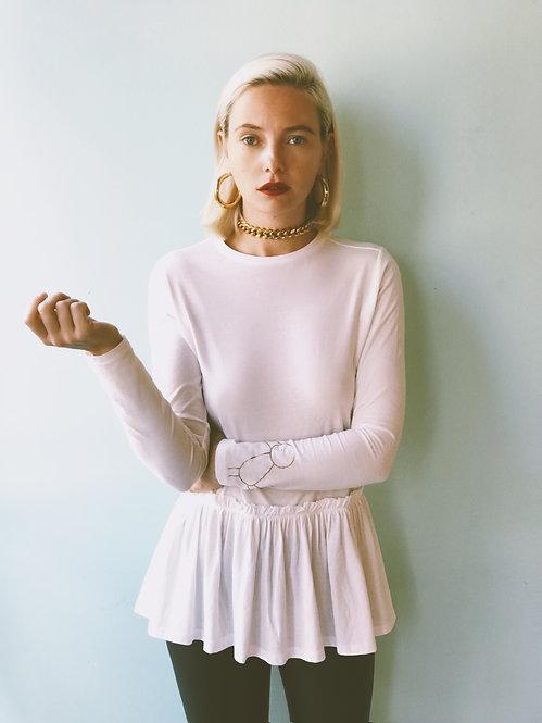 חולצה לבנה עם מלמלה לה לה