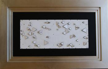 Mathias Goeritz, Figuras con triangulos de madera, 1983, madera pintada y papel sobre madera, 29.5 x 70.5 cm..JPG