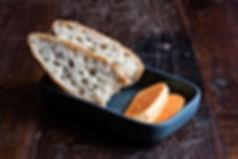 kruh i maslac.jpg