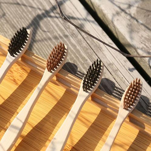 Set de 4 brosses à dents en bambou