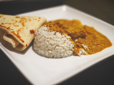 Curry indio y Naan (Pan)