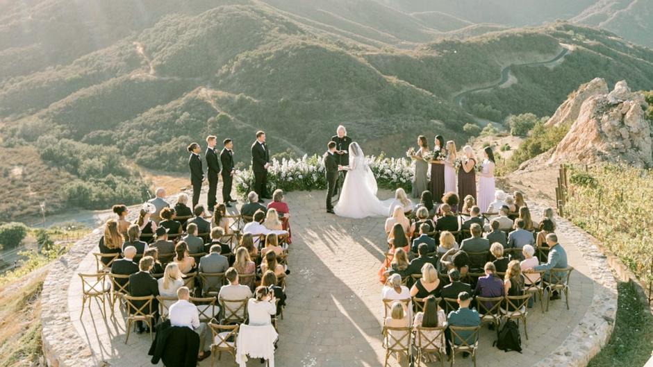 32 Preguntas que debes hacer antes de rentar el lugar para tu boda.