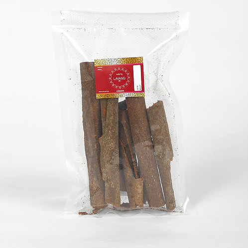 Front view, red branded label, cinnamon sticks