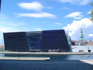 黑鑽石的代價—皇家丹麥圖書館(The extension of the royal library of Denmark)