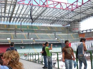 聖西路球場-AC米蘭和國際米蘭的主場