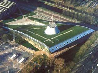 上下合一的建築 – Delft University library