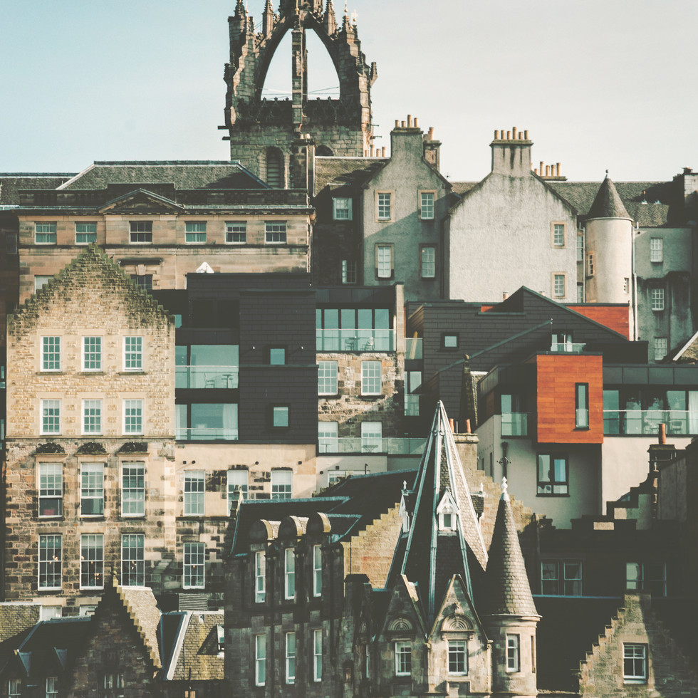 The view on the old town of Edinburgh.