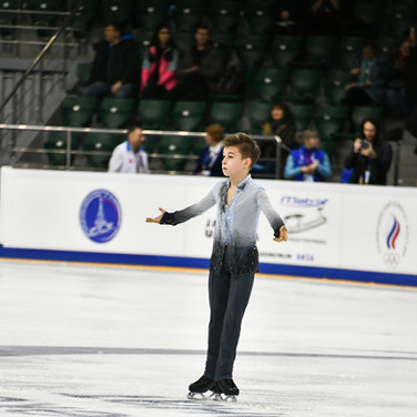 Daniil Samsonov during the short program at the Russian National Championships 2020.  Даниил Самсонов в короткой программе на Чемпионате России 2020.