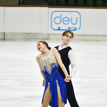 Natalie d'Alessandro / Bruce Waddell performing their rhythm dance at the Bavarian Open 2020.