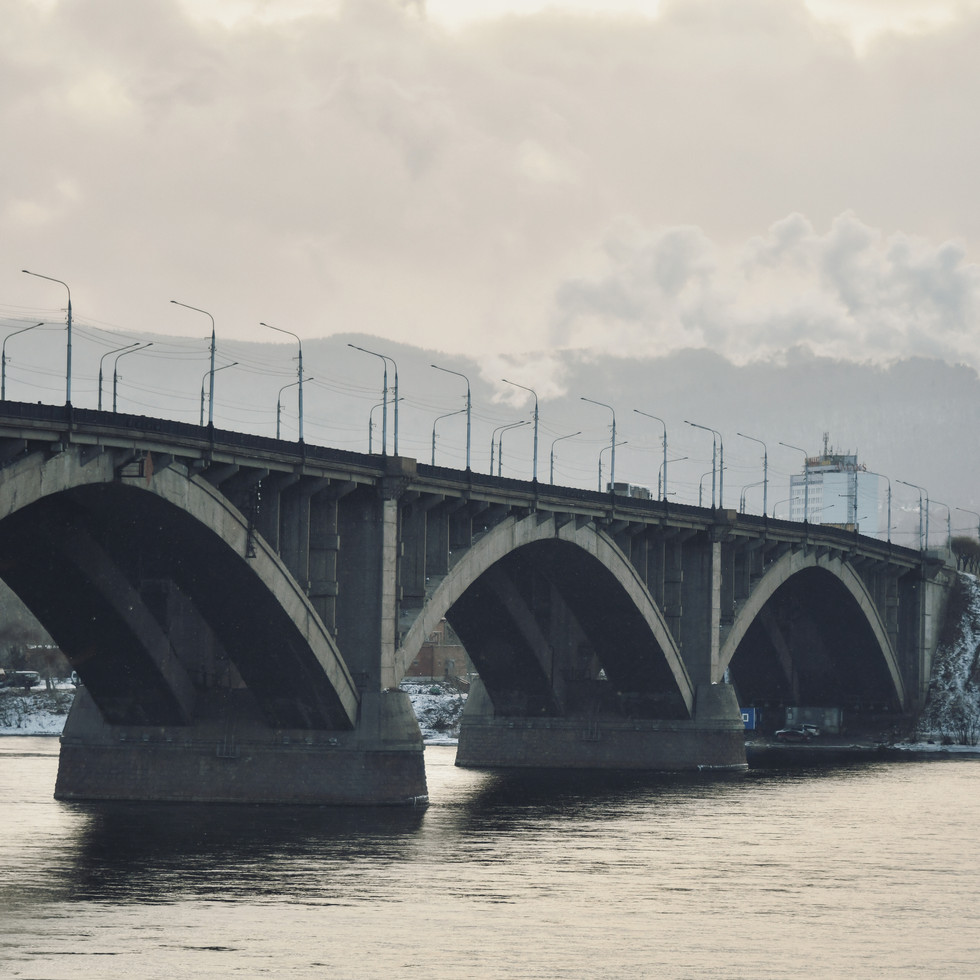 Communalny bridge over the Yenisei river.   Коммунальный мост на реке Енисей.