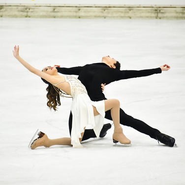 Avonley Nguyen and Vadym Kolesnik performing their free dance at the 2020 Bavarian Open.