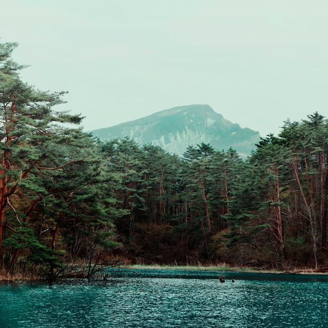Goshikinuma and Mount Bandai.