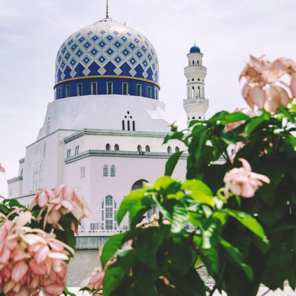 Masjid Bandaraya Kota Kinabalu.