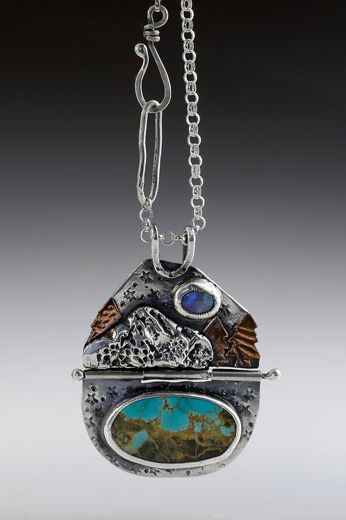 Mountain hinged pendant
