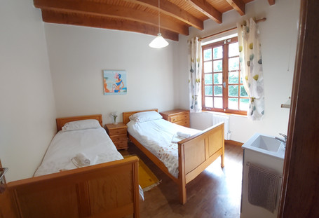 Les Gravelles Carp Fishing holiday in France with house sleeps 6