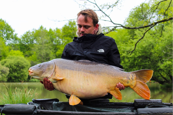 Exclusive Carp fishing france