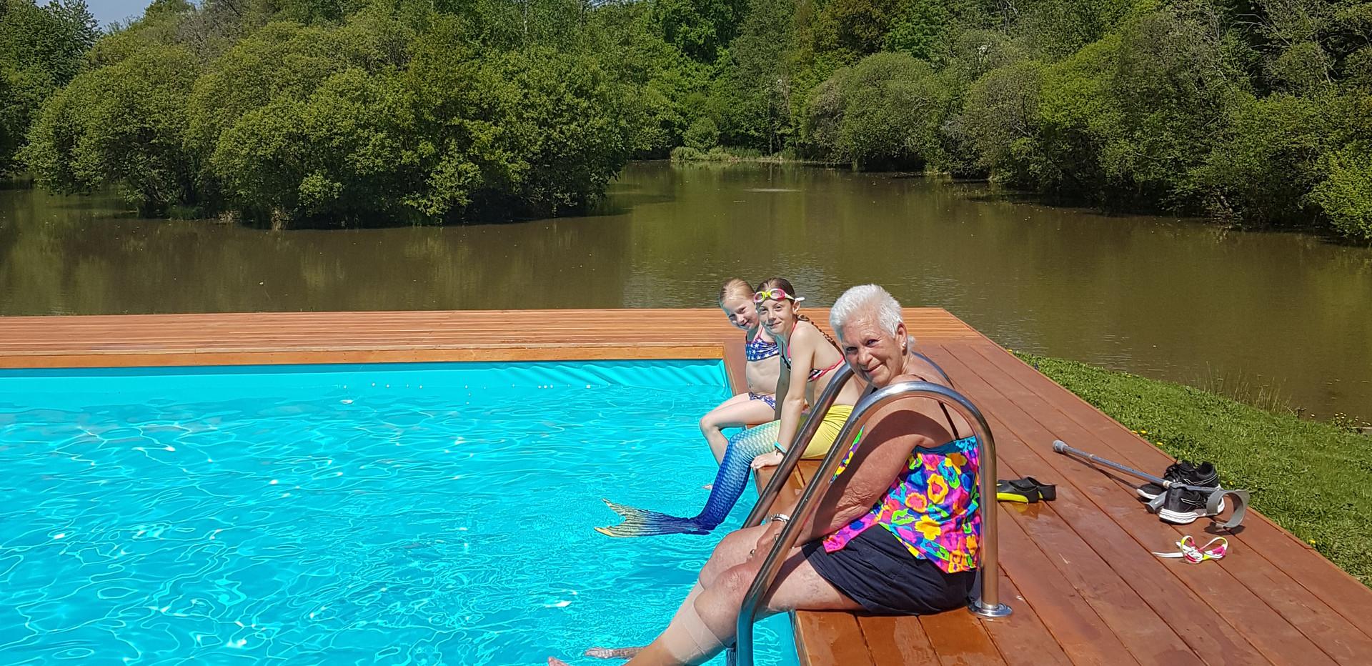Les Gravelles Pool and Lake