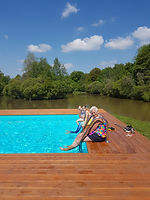 Carp fishing holidy with accommodation and pool
