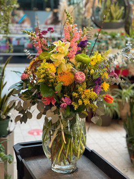 colourful_spring_flowers_vase