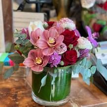 pink_flowers_vase_arrangement