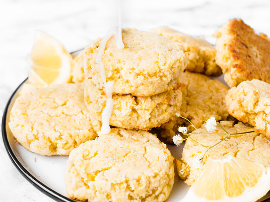 Melt-In-Your-Mouth Keto Lemon Cookies